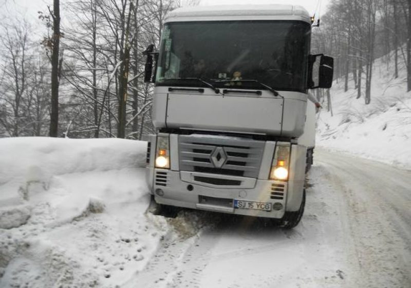 Baia Mare: Ninge viscolit în Pasul Gutâi şi în zona montană a oraşului Cavnic