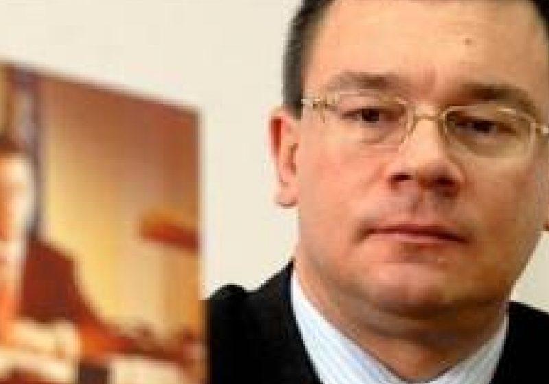 Conducerea Camerei Deputaţilor: Hotărârea plenului reunit privind învestirea Guvernului Ungureanu este constituţională