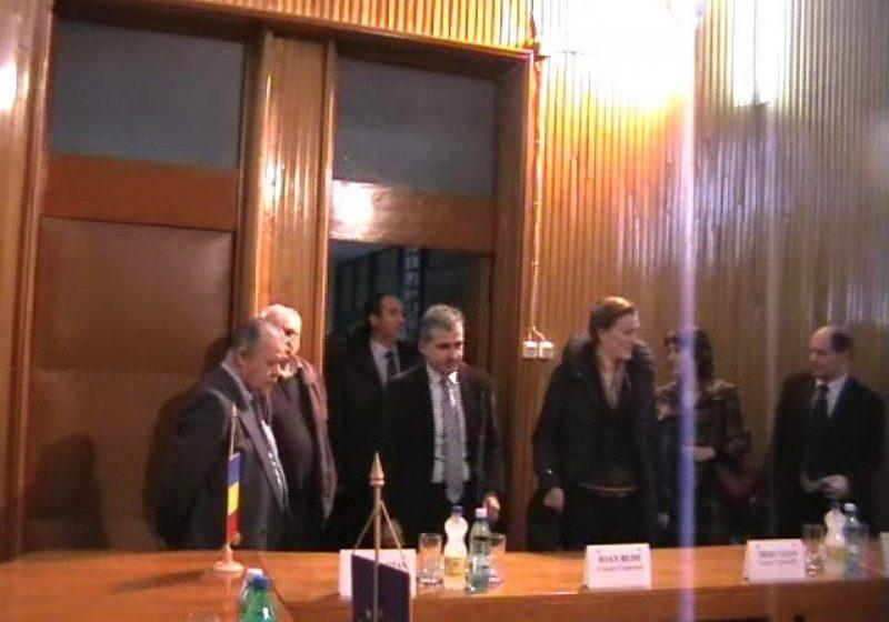 Baia Mare: O delegaţie din Sardinia a discutat cu autorităţile judeţene despre oportunităţile de colaborare
