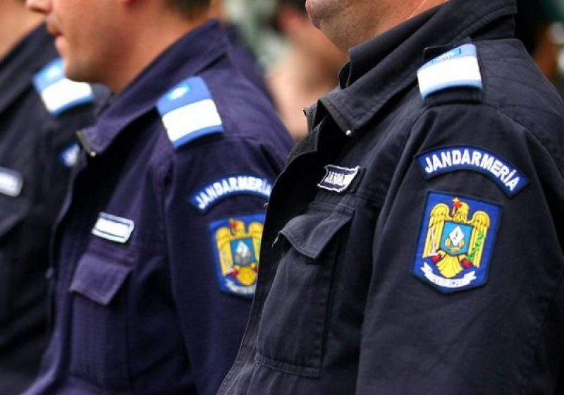 SIGHET: La Sediul Inspectoratului de Jandarmi din Sighetu Marmaţiei a avut loc astăzi o festivitate de avansare în grad a mai multor ofiţeri şi subofiţeri