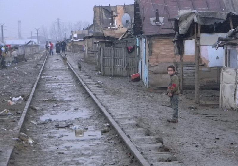 Maramureş: Peste 200 de locuri pentru romi au rămas neocupate în liceele din judeţ
