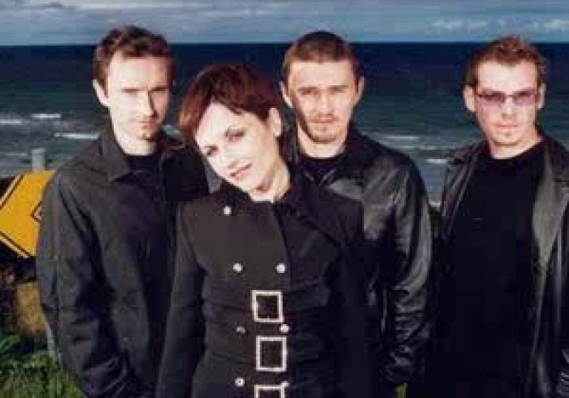 Irlandezii de la The Cranberries au început pregătirile pentru concertul de la Bucureşti