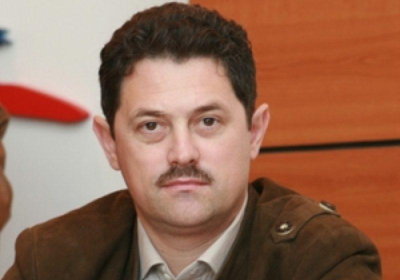 Senatorul  Sorin Bota îi dă replică preşedintelui UNPR Emil Ambruş