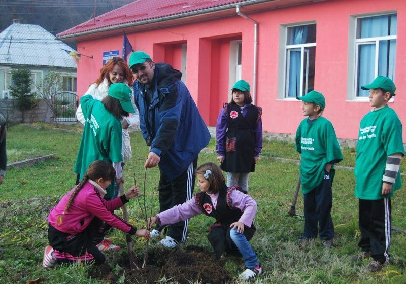 """Baia Mare: Elevii şi profesorii de la Şcoala Gimnazială Mihail Sadoveanu au sărbătorit """"Zilele şcolii"""""""