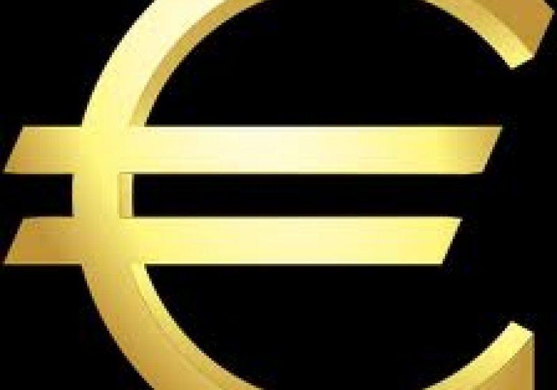 Cursul de schimb mediu va urca în 2013 la 4,5 lei/euro (prognoza CNP)