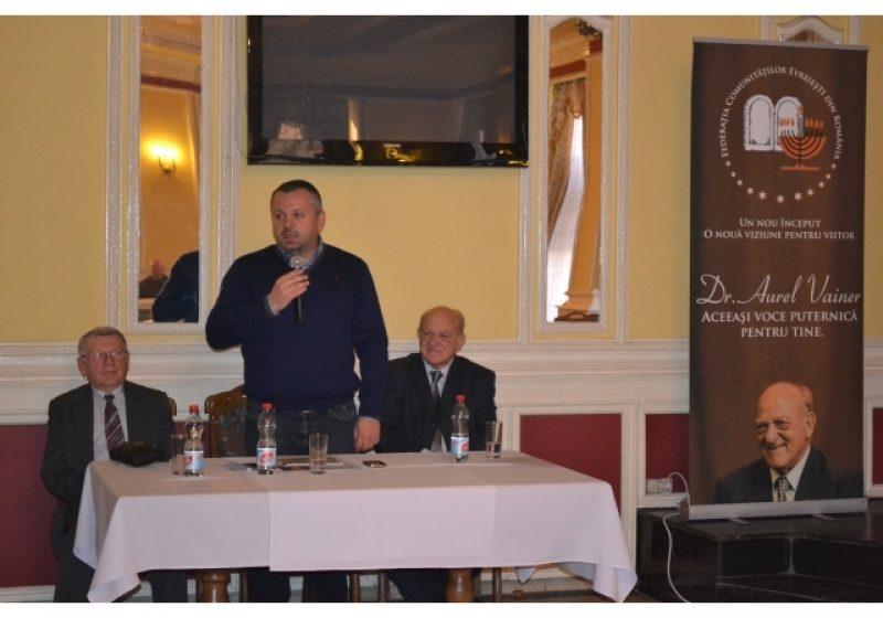 Primarul Ovidiu Nemeş în mijlocul comunităţii evreieşti