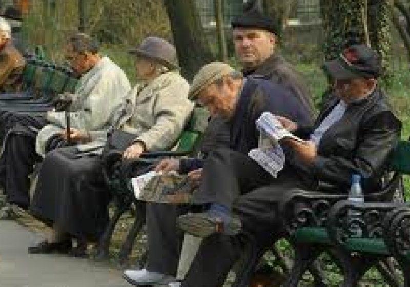 STUDIU: Creşterea vârstei de pensionare, măsura optimă pentru scăderea deficitului bugetului de pensii