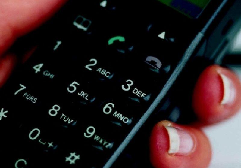 Operatorii de telefonie mobilă testează ideea lansării unor abonamente cu voce şi SMS-uri nelimitate