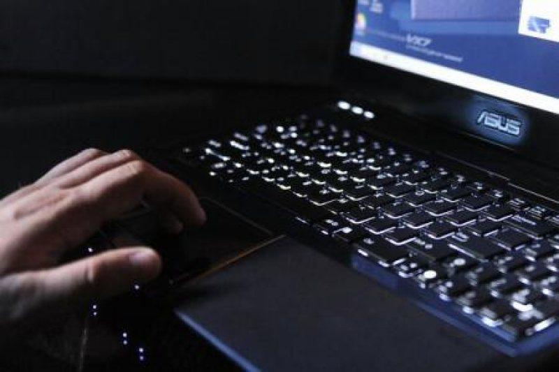 Consiliul Naţional al Elevilor cere promulgarea urgentă a legii privind dotarea cu dispozitive conectate la internet pentru elevii dezavantajaţi