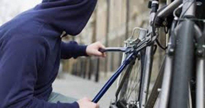 Hoţ de biciclete arestat preventiv