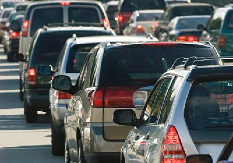 STUDIU: Bărbaţilor le place să şicaneze, să rişte şi să fie agresivi în trafic