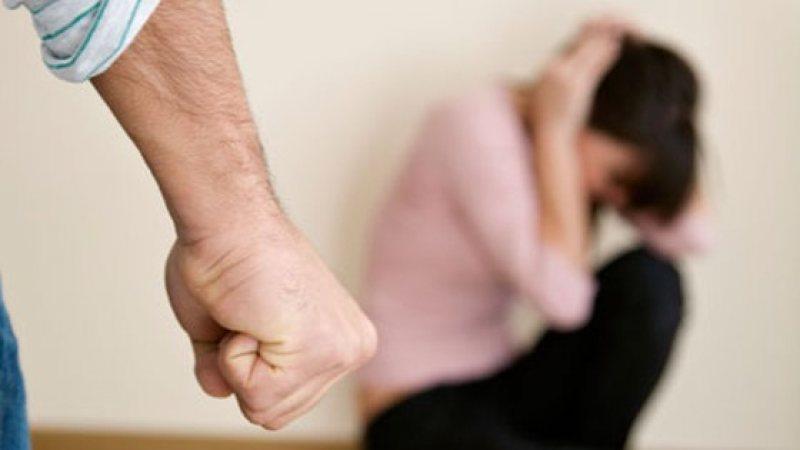 Ordin de protecție și dosar penal după ce un bărbat și-a amenințat soția cu moartea