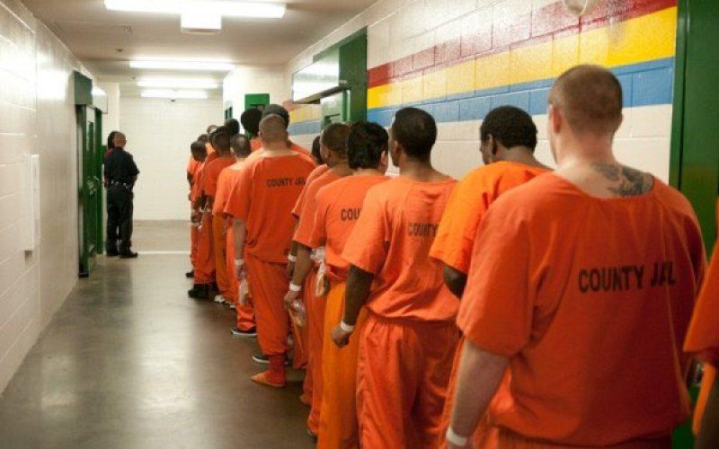 ACASĂ DE SĂRBĂTORI: Peste 300 de deținuți beneficiază de permisiunea de ieșire din penitenciar în perioada Sărbătorilor Pascale