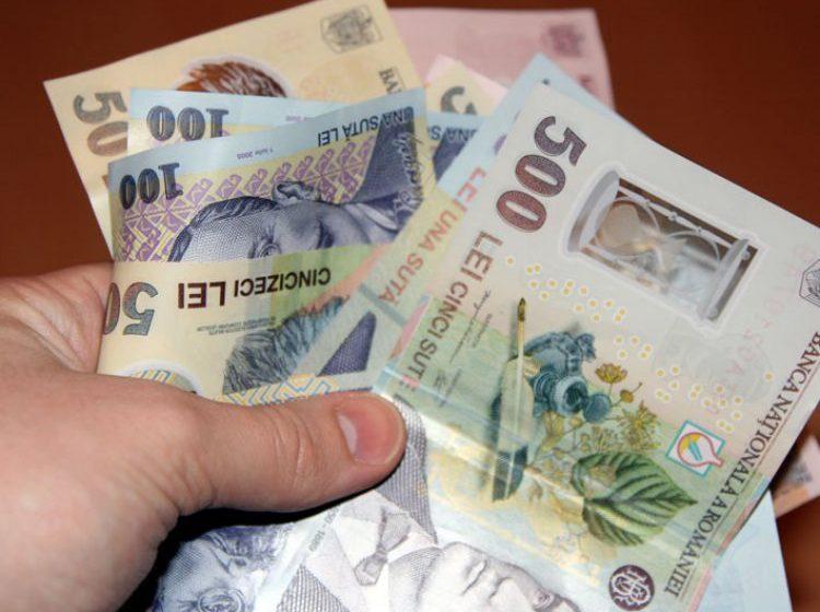 AJOFM: Mai mulți maramureșeni au fost puși să dea banii înapoi după ce au primit indemnizații necuvenite
