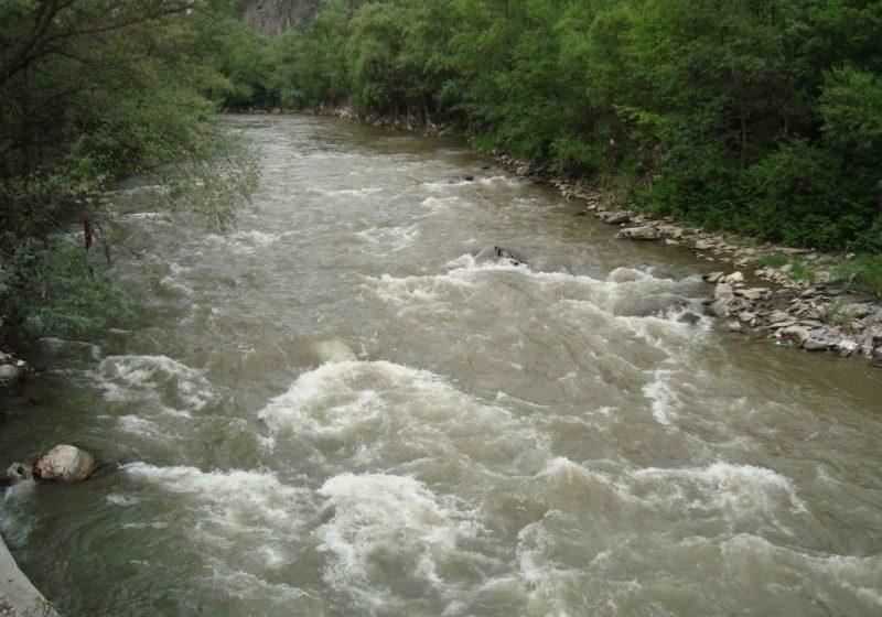 ATENȚIONARE: Debitele râurilor din vestul și sudul țării, în creștere în această săptămână
