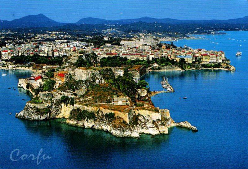 DESTINAȚII DE VACANȚĂ: Corfu, insula de smarald a Greciei