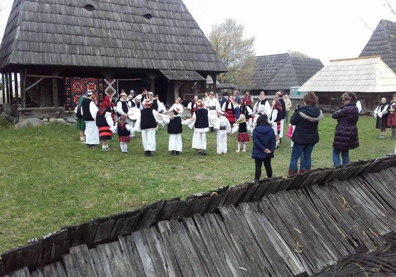 """EVENIMENT: La Muzeul Satului Maramureșean din Sighetu Marmației a avut loc a patra ediţie a evenimentului """"Paşti în Maramureş"""""""