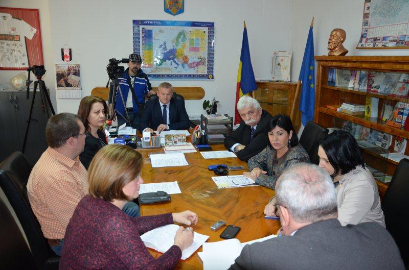 ÎNTÂLNIRE LA PREFECTURĂ: Ședință privind impulsionarea colectării veniturilor la bugetul consolidat al statului