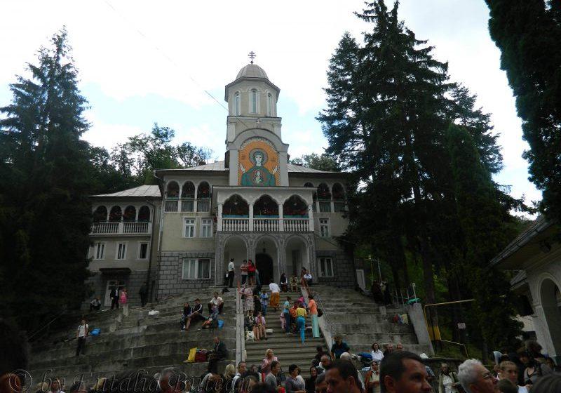"""MANIFESTĂRI ÎN SIGURANȚĂ: Jandarmii vor asigura măsurile de ordine pe timpul hramului Mănăstirii  ,,Sfânta Ana"""" Rohia"""