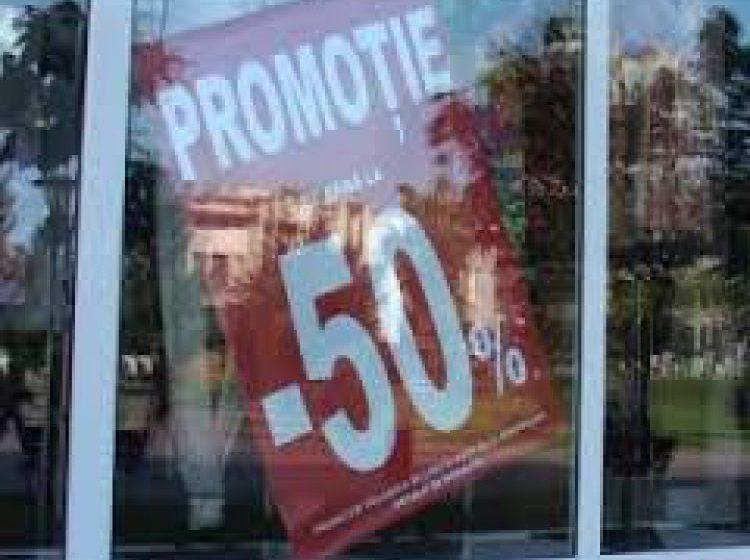 ULTIMELE REDUCERI: Comercianții mai pot face soldări doar până sâmbătă, altfel riscă amenzi sau chiar suspendarea activității