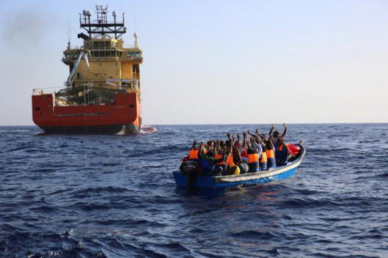 MAI VIN: Polițiștii de frontieră români au mai salvat 46 de sirieni în apele Mării Egee