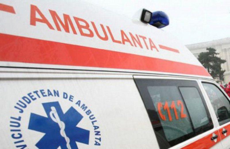 Biciclist rănit după ce a fost lovit de o mașină