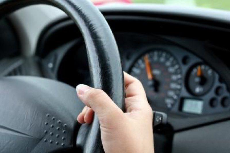 Examinările în vederea obținerii permisului de conducere se suspendă