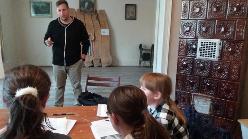EDUCAȚIE: Cursuri de limba maghiară pentru copiii care sudiază în limba română la Casa Hollósy