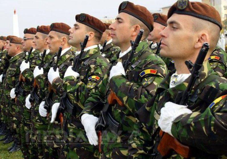 EVENIMENT: Ziua Armatei României este marcată, joi, cu ceremonii la Mormântul Ostaşului Necunoscut din Capitală