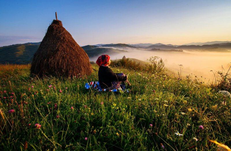 FOTO: Lumina răsăritului din Maramureș, în National Geographic