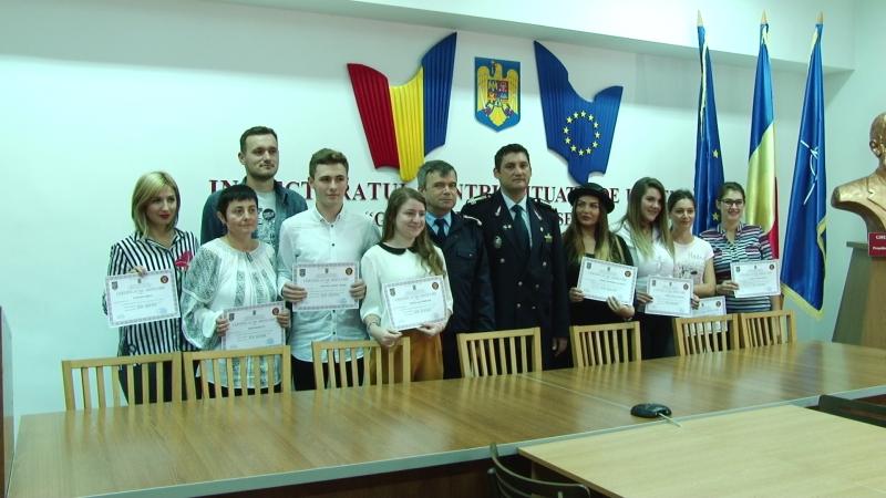 """SPECIAL: Voluntarii înscriși în programul """"Salvator din pasiune"""" și-au primit certificatele de absolvire"""
