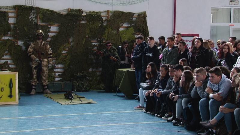 REPORTAJUL ZILEI: Cariera militară, promovată în școli de Ziua Armatei