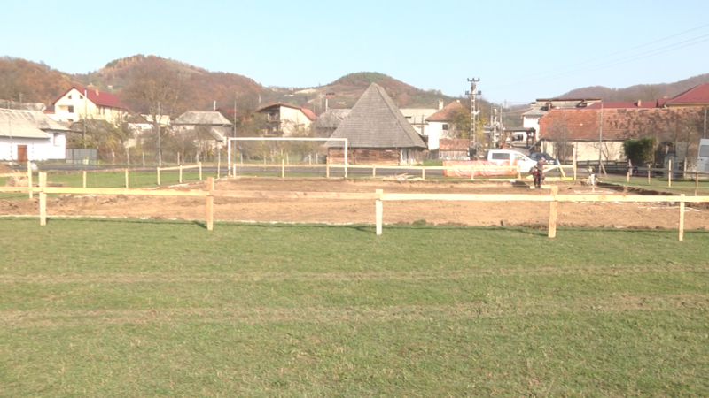 REPORTAJUL ZILEI: Au demarat lucrările la grădinița din Bârsana. Se face și o sală de sport