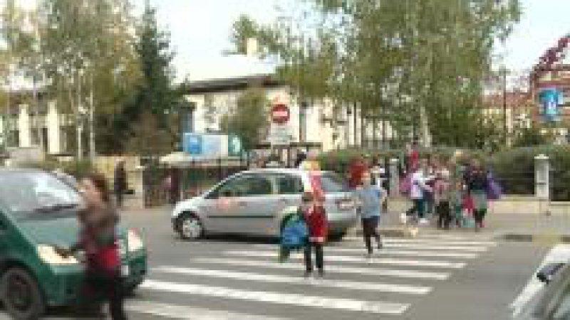POLIȚIA RUTIERĂ: Unul din 5 accidente are loc lângă o școală. În 10 ani, 600 de oameni au murit, majoritatea elevi