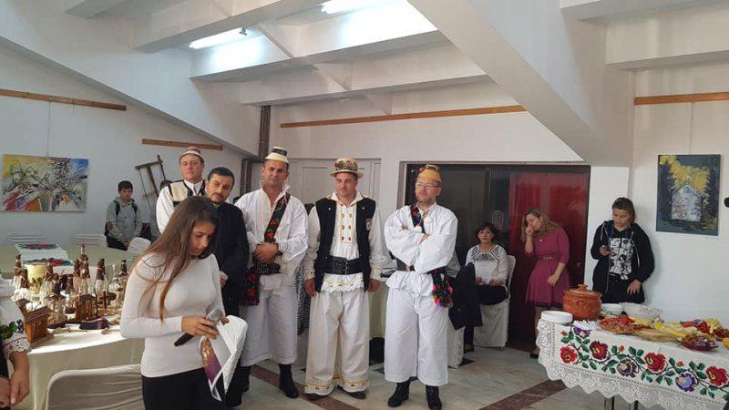 """SPECIAL: """"În Câșlegi"""", un eveniment de tradiţie şi pentru promovarea tradiţiei, la Cavnic"""