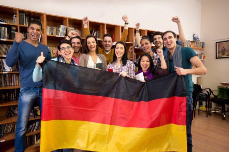 STATISTICI: Numărul migranților români în Germania, mai mare decât al unei țări aflate în război de 7 ani