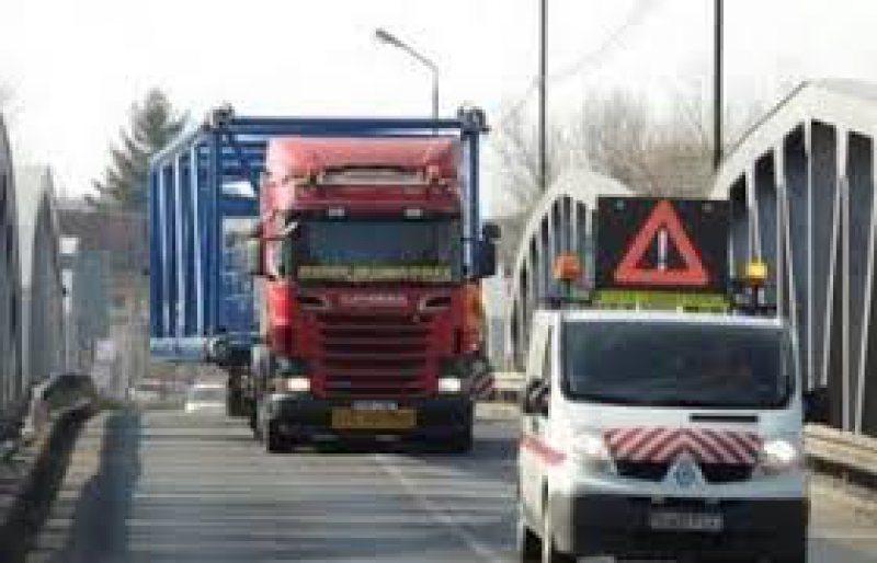 MĂSURI: Restricţii de circulaţie pentru camioane în Ungaria. Prima restricţie, în această seară