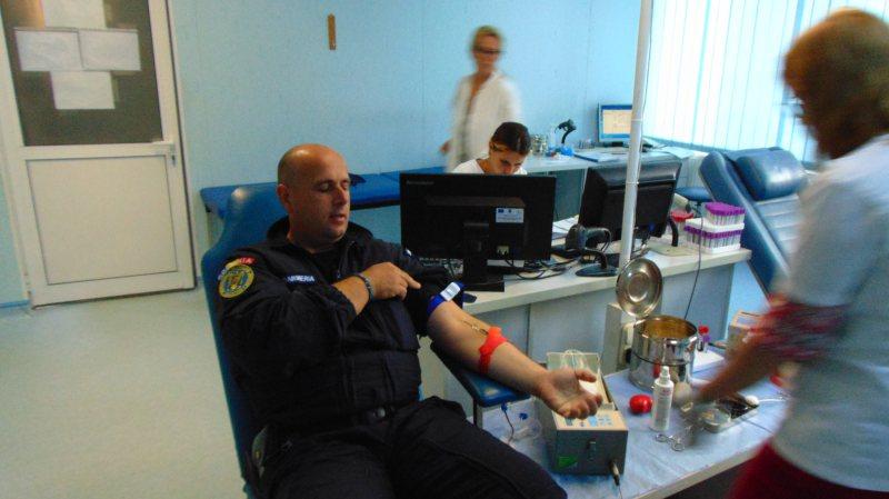 """CAMPANIE: """"Jandarmeria în dreptul inimii"""", o altfel de misiune a jandarmilor maramureșeni"""