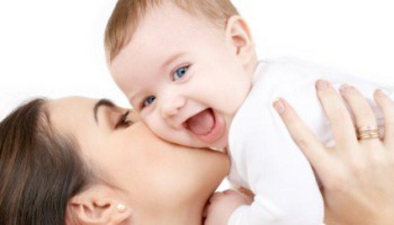 VEŞTI BUNE: Părinţii ar putea primi mai multe zile libere atunci când li se naşte un copil