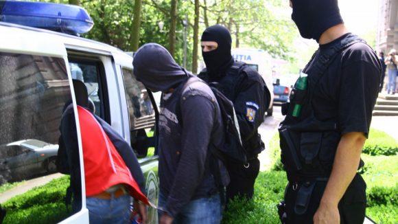 17 suspecți de infracțiuni identificați de polițiști într-o săptămână