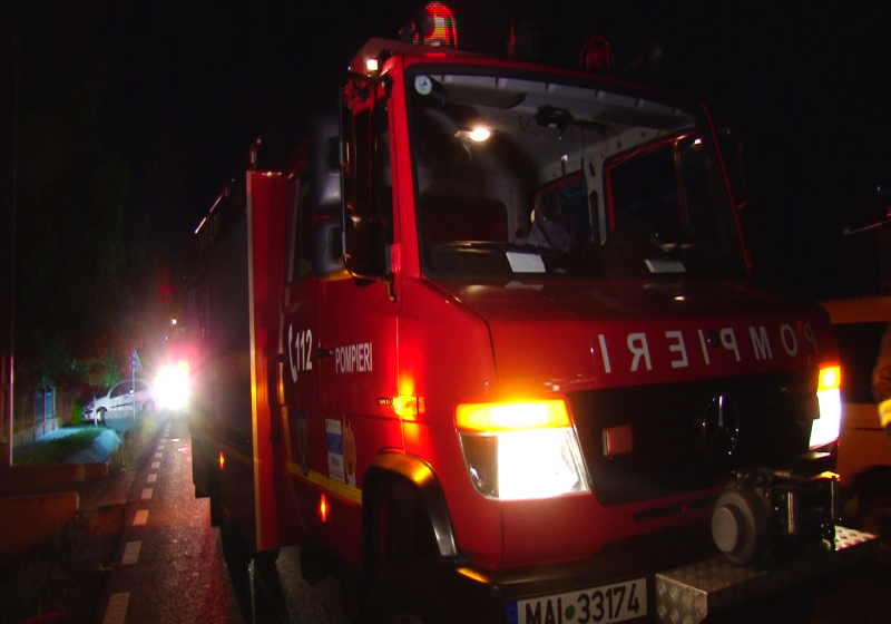 112: Accident rutier urmat de incendiu, la Rona