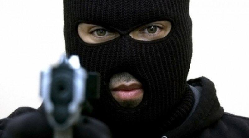 PÂNĂ AICI I-A FOST: Tânăr condamnat pentru jaf armat, prins de lucrători din cadrul ITPF Sighet