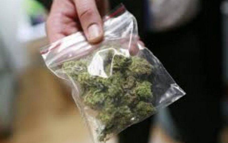 TRIMIS DUPĂ GRATII: Un maramureșean a fost arestat preventiv pentru trafic de droguri