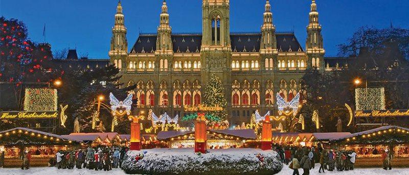 VACANȚE DE SĂRBĂTORI: Oferte care mai de care mai atractive pentru pachetele turistice de Crăciun