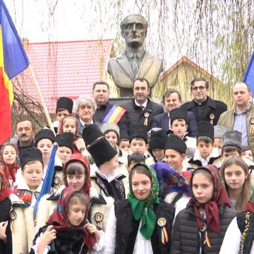 Lecţie de istorie la monumentul lui Ilie Lazăr de la Giuleşti