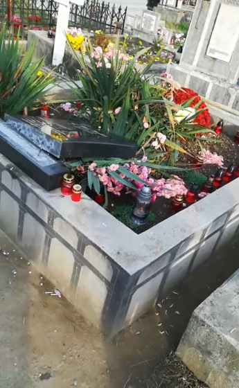 DERBEDEI FĂRĂ NIMIC SFÂNT: Mai multe morminte din cimitirul ortodox vechi din Sighet au fost vandalizate