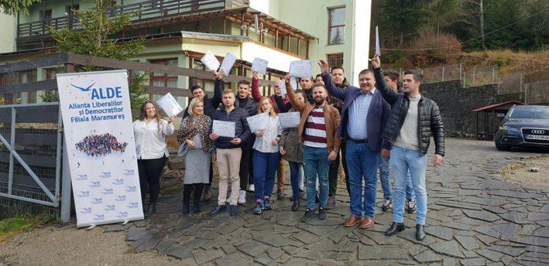EDIŢIE DEDICATĂ PROLIBERALISMULUI: Tinerii ALDE, la prima ediție a Școlii Politice C.A. Rosetti, organizată în Baia Mare de ALDE şi TLDE Maramureş