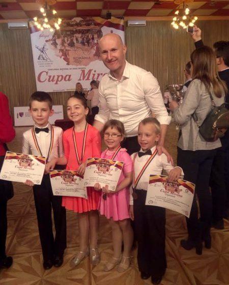 DANS SPORTIV: Două medalii și două calificări pentru Prodance 2000