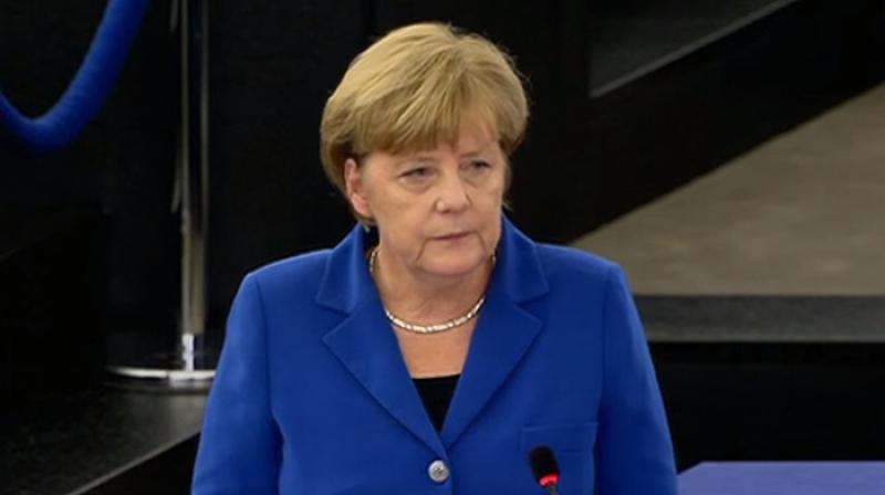 GERMANIA: Merkel marchează un secol de drept de vot pentru femei, cerând paritate în politică între bărbaţi şi femei