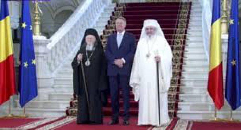 VIZITĂ: Klaus Iohannis i-a primit, la Cotroceni, pe Patriarhii Bartolomeu şi Daniel